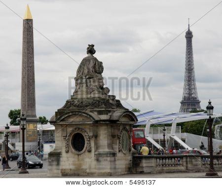 Regina Obelisco E Torre