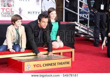 LOS ANGELES - DEC 3:  Quinlin Dempsey Stiller, Ben Stiller, Ella Olivia Stiller at the Ben Stiller Handprint and Footprint Ceremony at Dolby Theater on December 3, 2013 in Los Angeles, CA