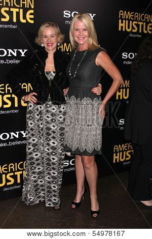 LOS ANGELES - DEC 3:  Penelope Ann Miller, Maeve Quinlan at the
