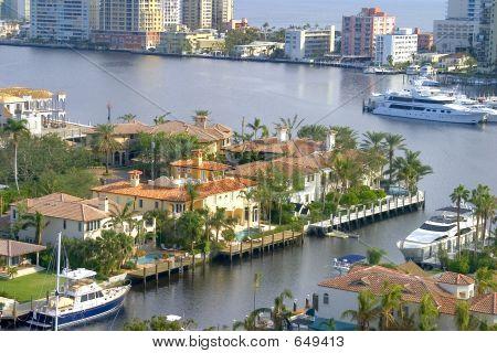Vista de Lauderdale Condo