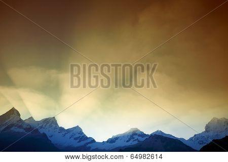 Huascaran Norte (6655m) and Huascaran Sur (6768 m) peaks in Cordileira Blanca, Peru, South America