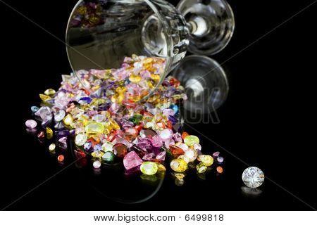 Diamantes y gemas de vidrio de vino