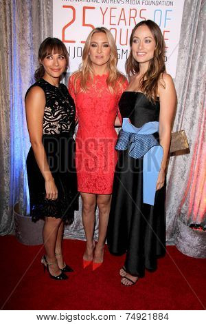 LOS ANGELES - OCT 28:  Rashida Jones, Kate Hudson, Olivia WIlde at the 25th Courage In Journalism Awards at the Beverly Hilton Hotel on October 28, 2014 in Beverly Hills, CA