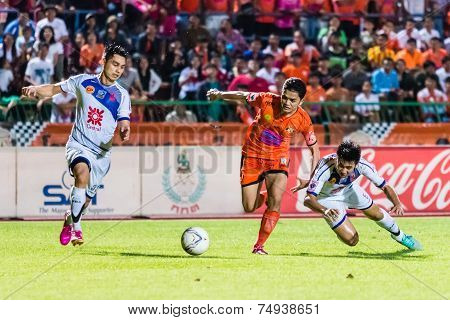 Sisaket Thailand-october 22: Sarayuth Chaikamdee Of Sisaket Fc. In Action During Thai Premier League