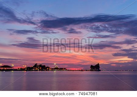 Koh Loi Sriracha Silhouette With Sunset Sky