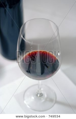 A glasse of red wine