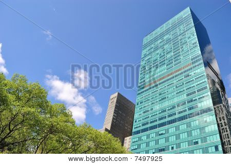Bryant Park and 1095 Avenue of the Americas