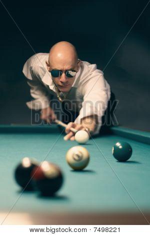 Pool billiard player
