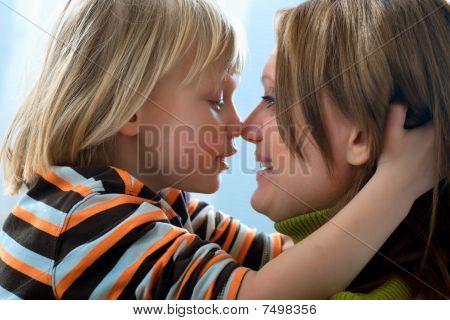 kiss for mum