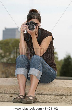 Brünette Frau Fotograf