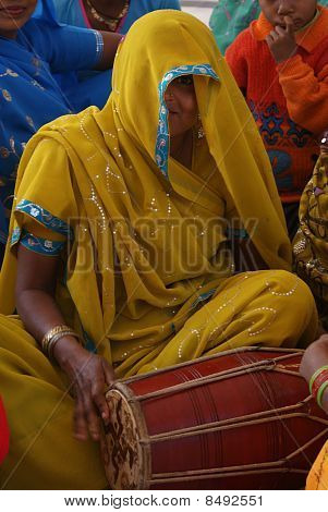 woman playing the tabla