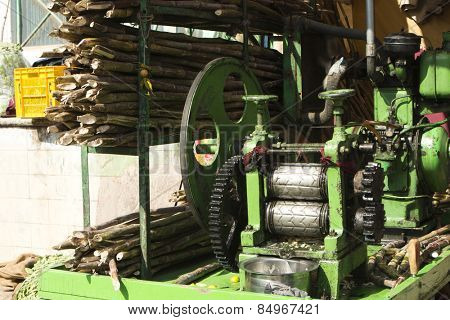 Sugar cane juice extracting machine, Pushkar, Ajmer, Rajasthan, India