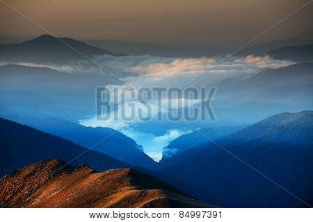 Vidraru Alpine dam lake