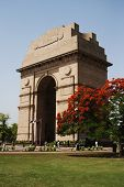 picture of india gate  - War memorial in a city - JPG