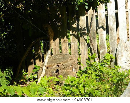 Ricketty wooden picket fence