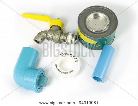 Equipment for repairing water pipes isolated