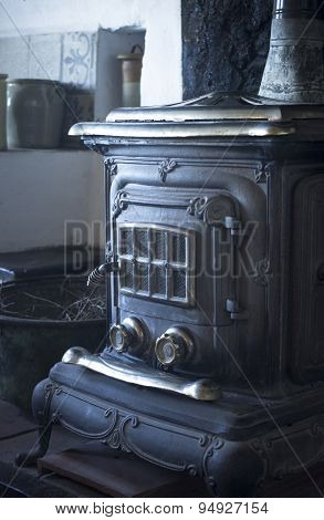 Traditional Wood House Fire Stove Oven Heater Cooker