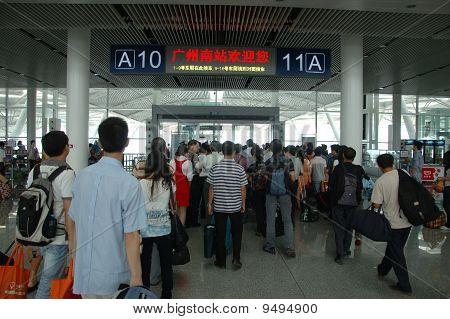 Guangzhou Railway Station - Passengers