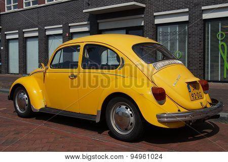 Yellow Volkswagen Kafer - Classic VW Beetle