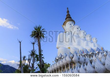 The Buddha statue in pha-son-kaew temple .