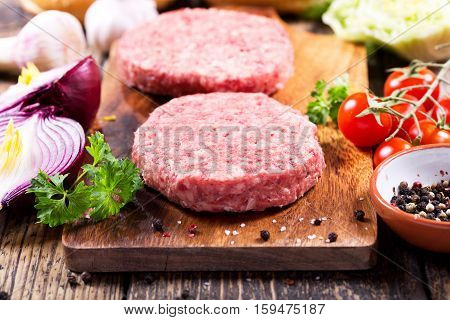 Fresh Raw Beef Burger For Hamburger With Vegetables