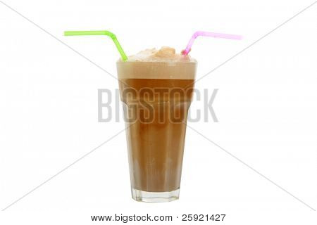 root beer float aislado en blanco