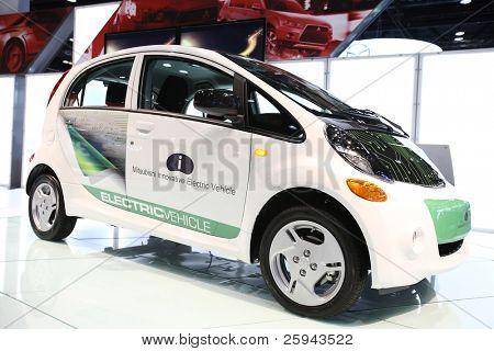 """Chicago 15. Februar: die Mitsubishi electric Car """"i"""" Präsentation auf der jährlichen Chicago Auto Show"""