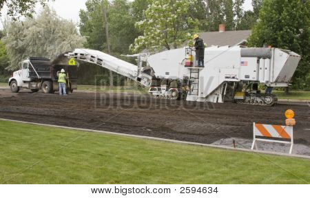 Road Cold-Milling Machine