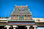 picture of meenakshi  - Roof of Sri Meenakshi hindu temple in Madurai - JPG