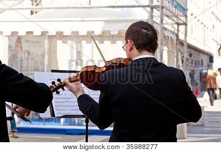 Concert Violinists