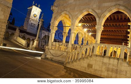 Piazza Libert�, Udine