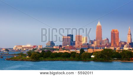 Cleveland-Twilight-panorama