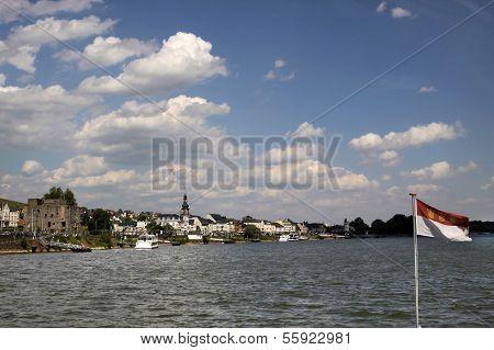 Middle Rhine Valley Near Ruedesheim