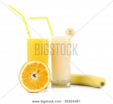 Two glasses of orange juice and banana juices