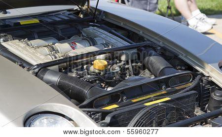 1985 Silver Porsche 928-s Engine