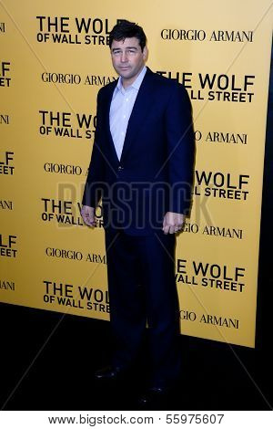 NEW YORK-DEC 17: Actor Kyle Chandler attends the premiere of