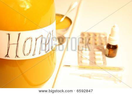 Honey Vs Medicine