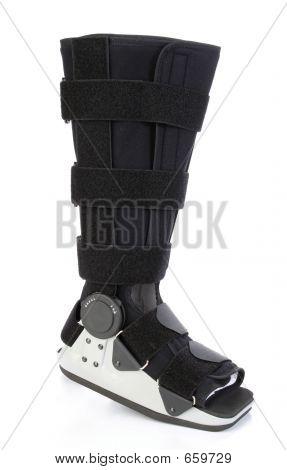 Elenco moderno para uma perna quebrada