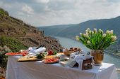 image of moselle  - Lunch at the vineyard - JPG