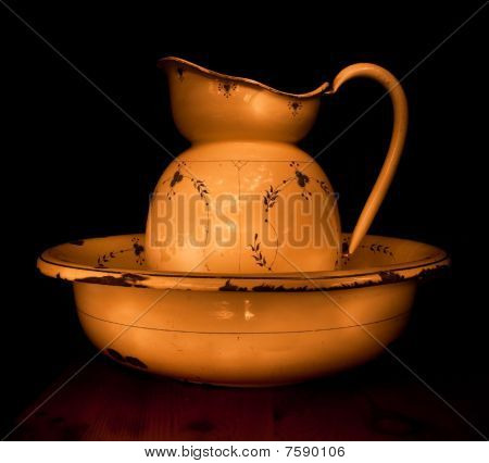 Ewer and washstand-basin
