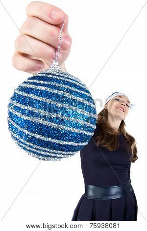 Image of the woman with christmas ball