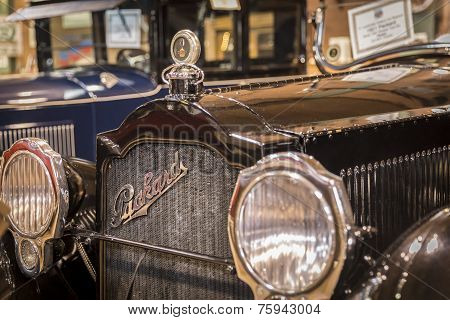 Fort Lauderdale, Florida, Usa - August 30: Fort Lauderdale Antique Car Museum Exhibits A Collection