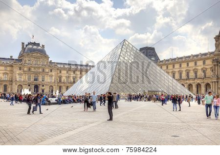 Paris. Louvre Art Gallery