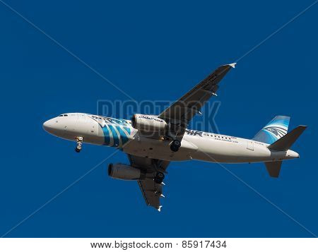 Aircraft Airbus A320, Airlines Egyptair