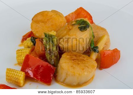 Grilled Scallops Salad