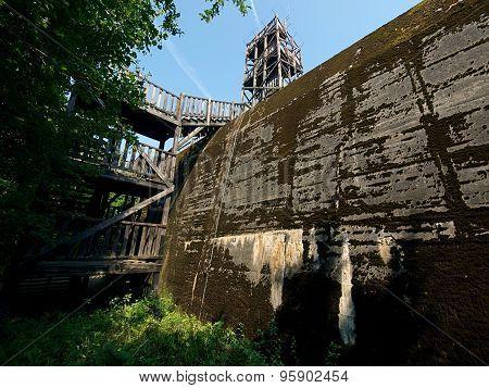 Bunker giant.