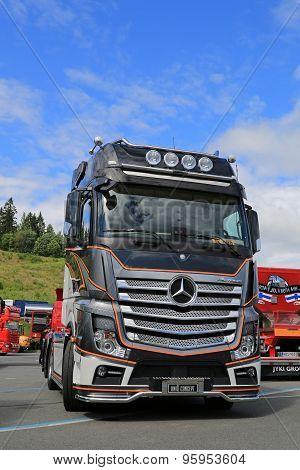 Mercedes-Benz Actros 2651 Uniq Concept Truck