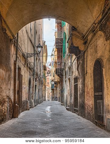 Narrow Alley In Pisa, Tuscany, Italy