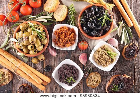olive,tapenade,breadstick