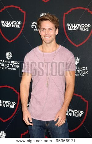 LOS ANGELES - JUL 14:  Lachlan Buchanan at the Warner Bros. Studio Tour Hollywood Expansion Official Unveiling, Stage 48: Script To Screen at the Warner Brothers Studio on July 14, 2015 in Burbank, CA